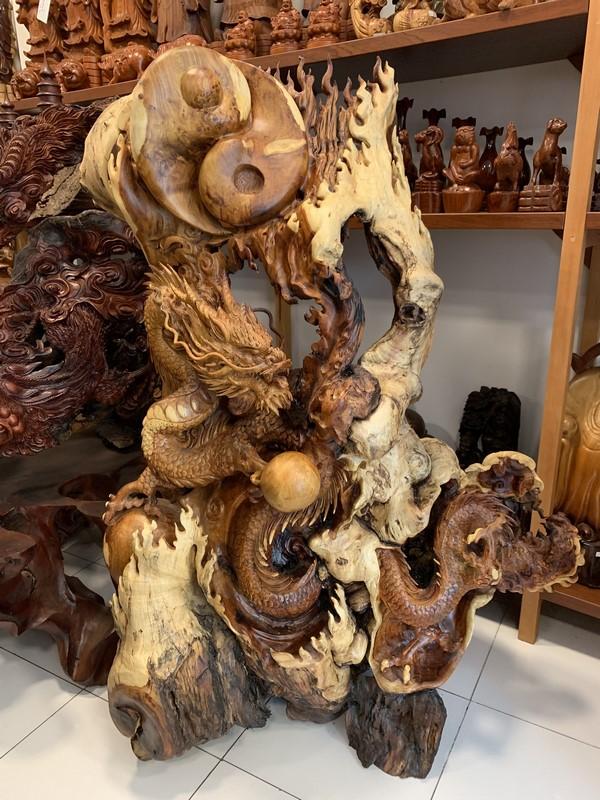 tượng gỗ rồng