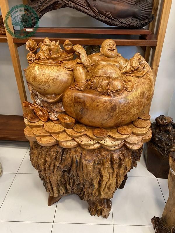 tượng phật di lặc gỗ nu hương cao cấp