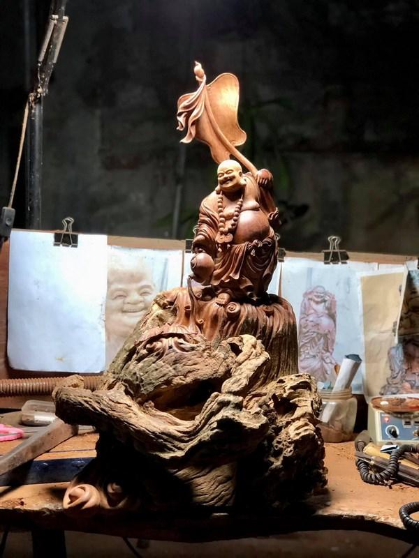 tượng gỗ lũa hương
