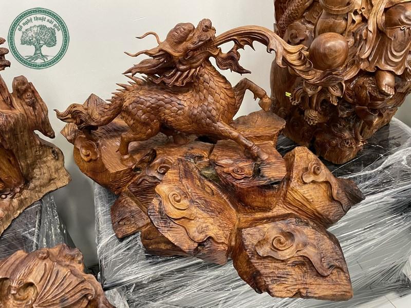 tượng gỗ hỏa kỳ lân