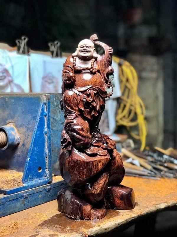 tượng gỗ nu cẩm